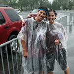 Sheets of rain were no match for the sunny dispositions of Orientation Leaders. Photo by Michael Dames