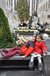 Rosa's children at the Rockefeller Christmas tree
