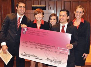 The winners, from left to right: Daniel O'Brien, Jodie Chan, Laura Wagner, David Lasco, and Kaitlin Karcher. Photo by Patrick Verel Battle of the Pitches  Watch the presentations online at www.fordham.edu/corebowl14