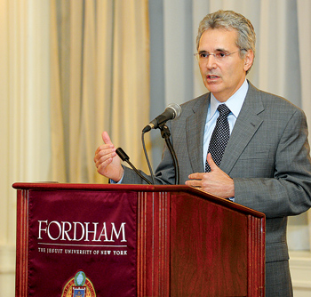 Ronald A. DePinho, M.D., FCRH '77, told a Fordham audience that scientists are closing in on a cure for cancer.  Photo by Chris Taggart