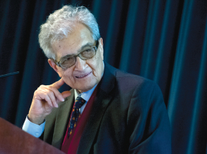 Amartya Sen addressed a beyond-capacity crowd at Rose Hill.