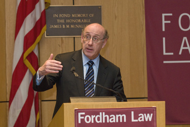 Kenneth R. Feinberg tells the audience that as TARP's special master for executive compensation, he has no enforcement authority. Photo by Ben Asen