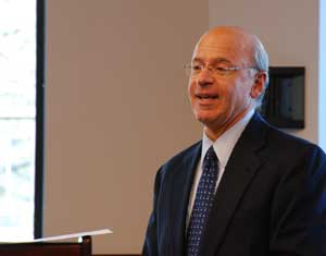 Michael A. Puglisi (CBA '72) discusses the ins and outs of Blackstone's IPO.  Photo by Jeffrey Haynes