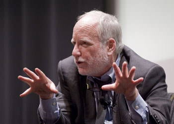 Academy Award-winning actor Richard Dreyfuss spoke about his passion for social issues and his acting career at a Fordham Law forum on March 26.