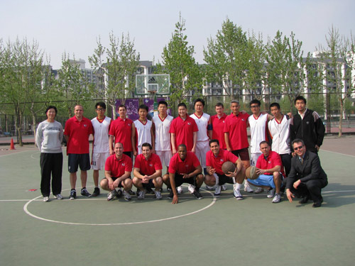 The Fordham EMBA students wore dark-colored jerseys in their game against Tsinghua University.
