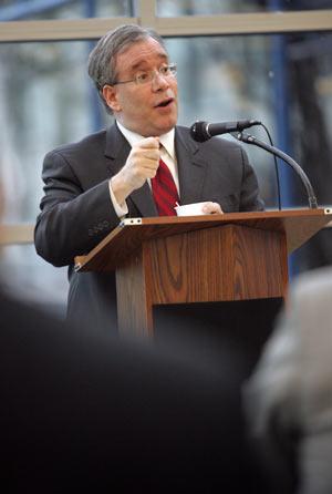 Scott Stringer addresses the crowd at the GSE's Borough President Speaker Series. Photo by Bruce Gilbert