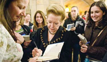 Bestselling author Mary Higgins Clark (FCLC '79) explained how her Fordham education influenced her writing at a Rose Hill event that drew 300 students and fans.
