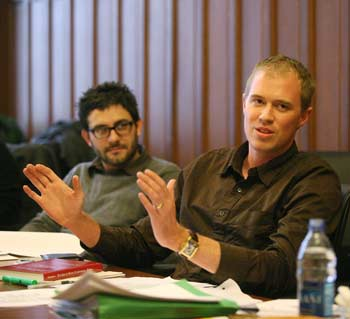 Kevin Matteson, GSAS '07, (right) is part of a pilot seminar to familiarize graduate students with Jesuit teaching methods.  Photo by Michael Dames