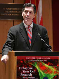 Patrick Lee, Ph.D., professor of bioethics at the Franciscan University of Steubenville, outlines his argument that an embryo is a human being. Photo by Bruce Gilbert