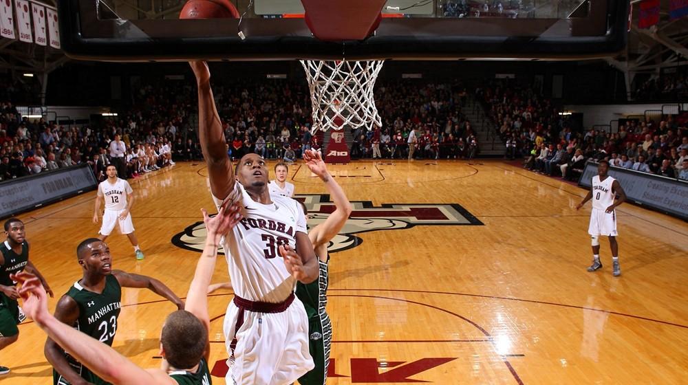 Men's Basketball Hosts St. John's on Wednesday