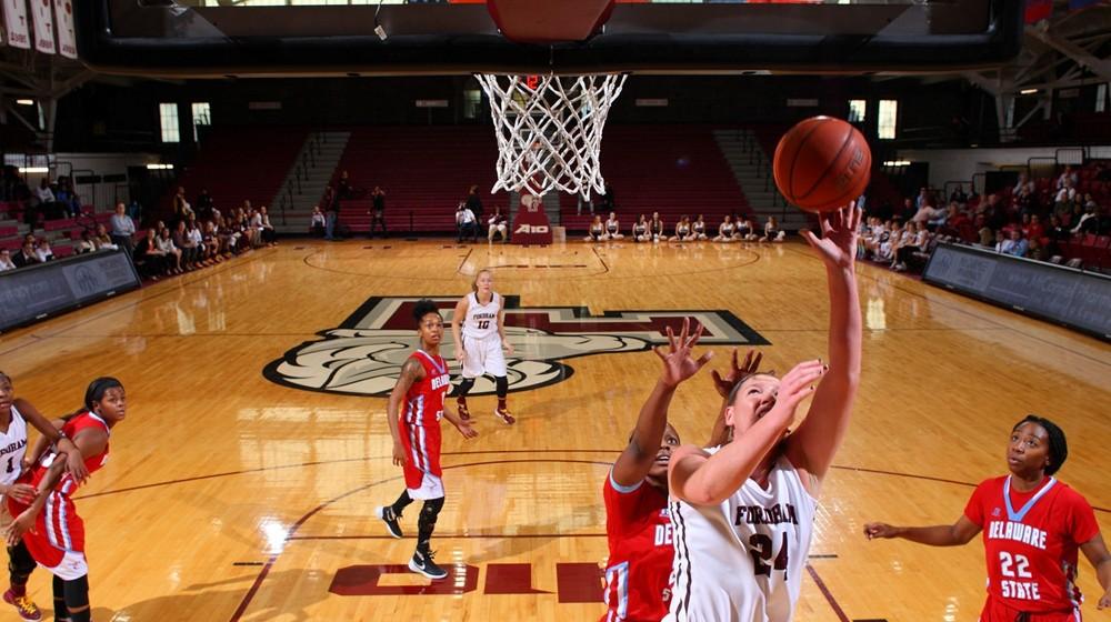 Women's Basketball Picks Up Big Road Win at UMass, 60-55