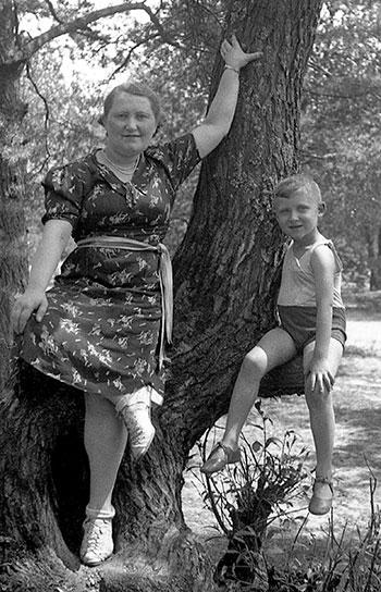 Sophie Bornstein with her son Samuel