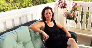 Allison Farina, FCH '93, LAW '99