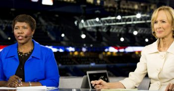 Journalists Gwen Ifill and Judy Woodruff