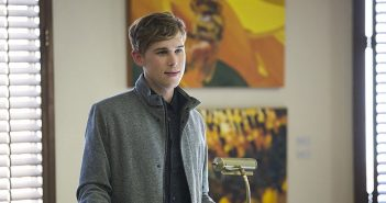 Tommy Dorfman as Ryan Shaver on Netflix's 13 Reasons Why