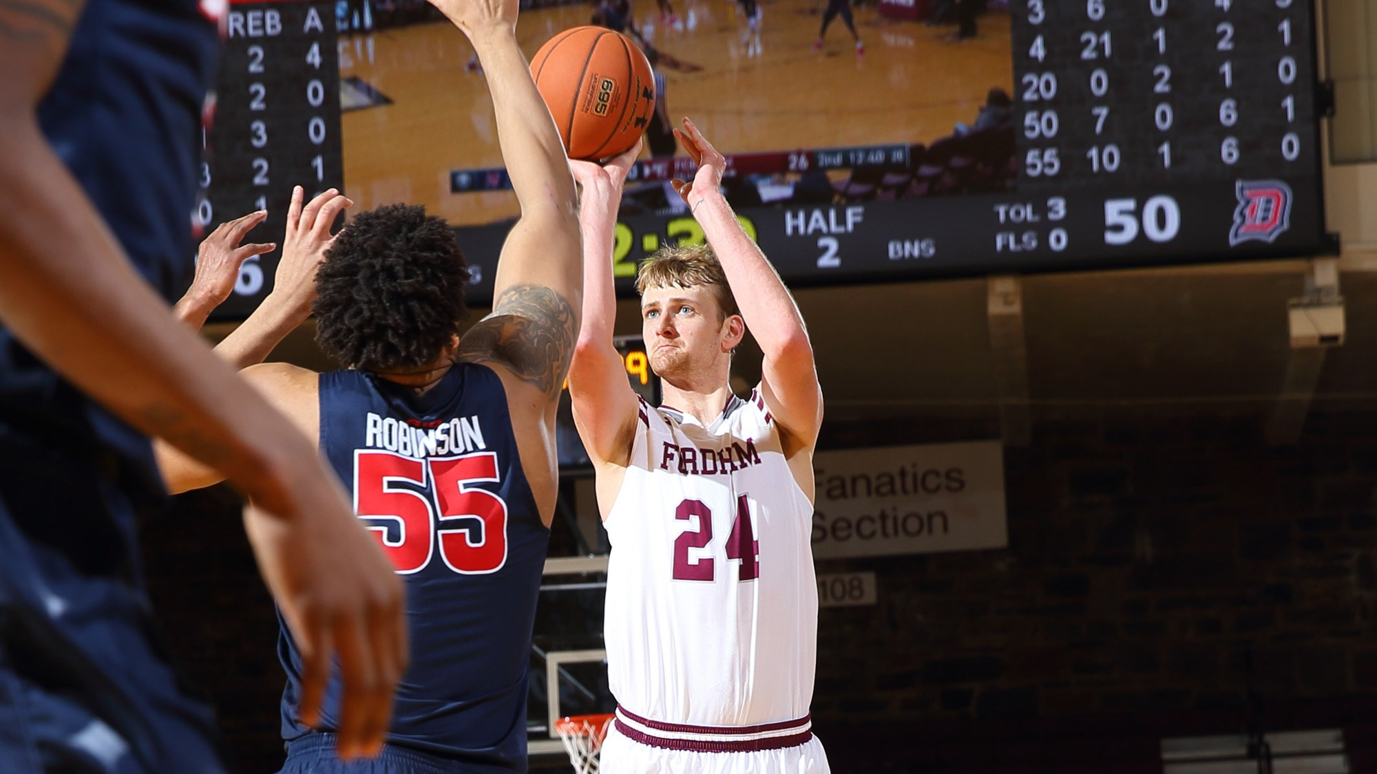 Men's Basketball Falls to Duquesne