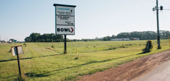 Louisville Lanes. Shakopee, Minnesota. Photo by Emma DiMarco