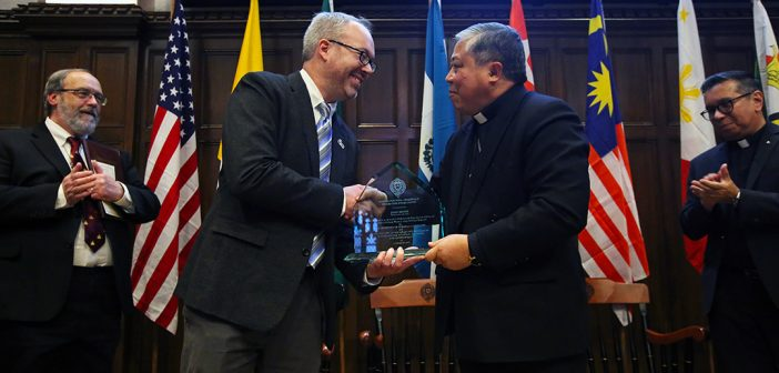 Alumnus Honored for Humanitarian Work in Central America