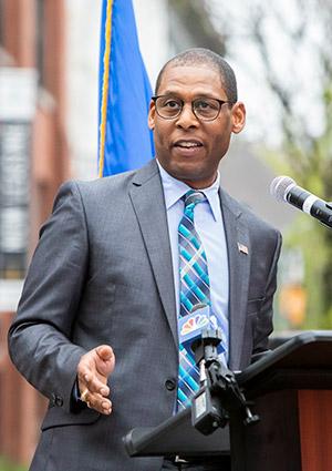 Edwin R. Woodriffe Jr.
