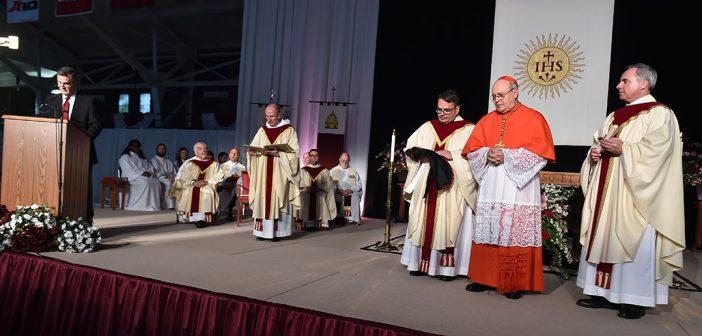 Archbishop Jaime Lucas Cardinal Ortega y Alamino celebrates mass at Fordham in 2015.