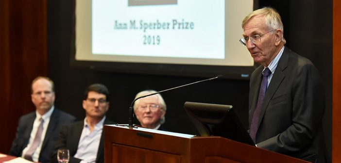 Fordham Honors Pulitzer Prize-Winning Reporter with Sperber Award