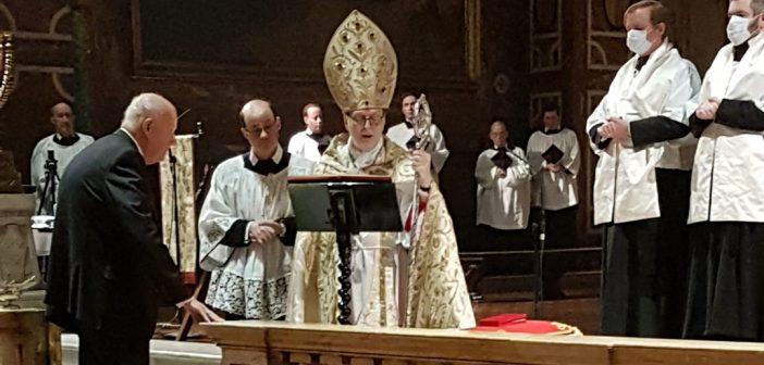 William Loschert, GABELLI '61, being knighted by Archbishop Claudio Gugerotti.