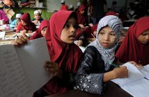 Rohingya students in refugee camp
