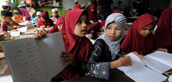 Rohingya students in refugee camp