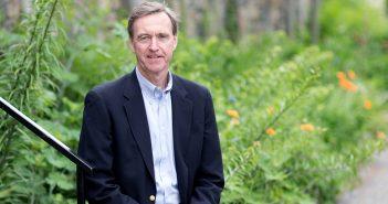 Chris Lowney, FCRH '81, GSAS '81