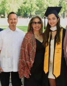 Lucianne Magnibas with parents